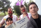 Zaměstnanci Tesco z OD Hradec Králové předali šek Zdravotním klaunům přímo v místní nemocnici a nezapomněli s sebou dovézt také hračky, ovoce a sladké mlsání, které se dětem rozdělí.
