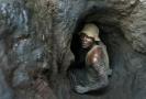 Horník v kobaltovém dole v Kongu.